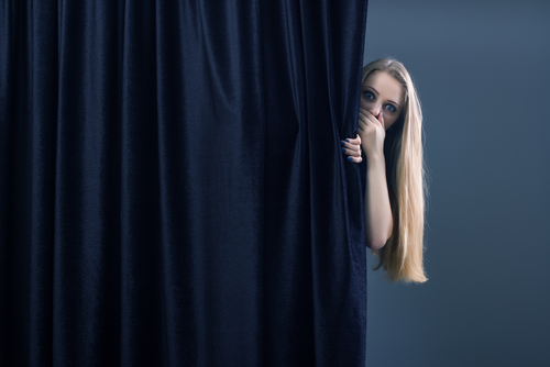 curtain-behind-1
